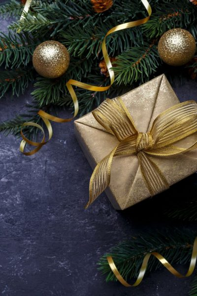 Holiday Gift Guide Series: 6 Gifts She'll Love This Holiday